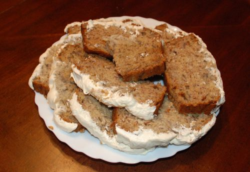 Banana banana bread with cream cheese frosting